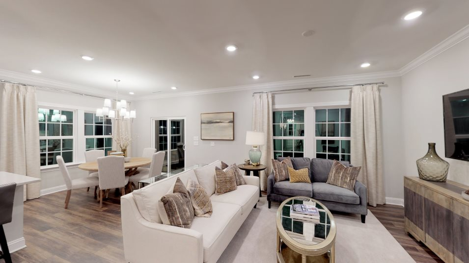 Bellewood Summit Collection Clayton III Family Room