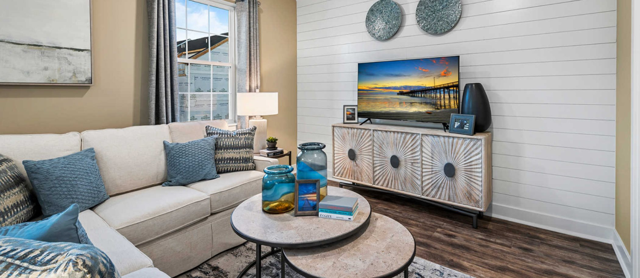 Waterside-By-Lennar Waterside Contemporary Towns Delaware Room
