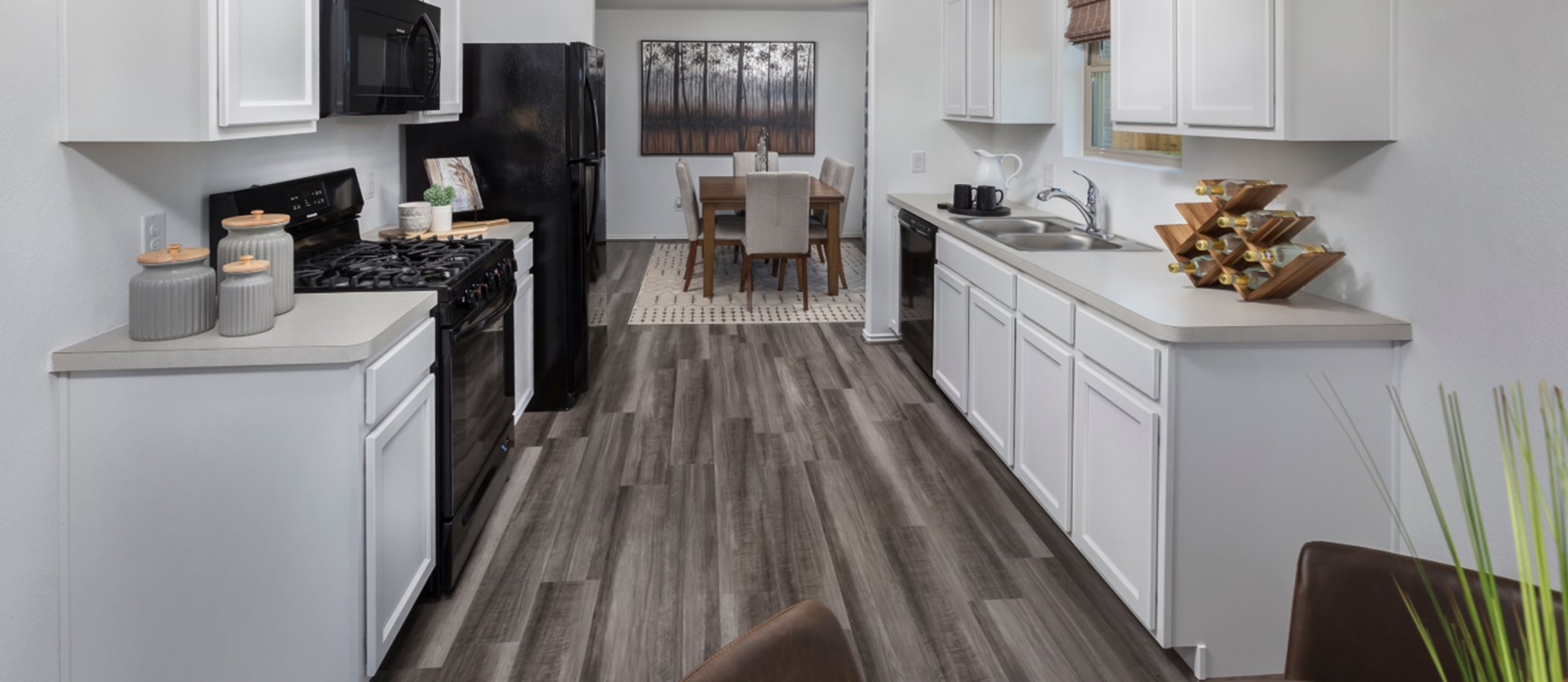 Country-Colony nuHome Collection Los Fresnos Room