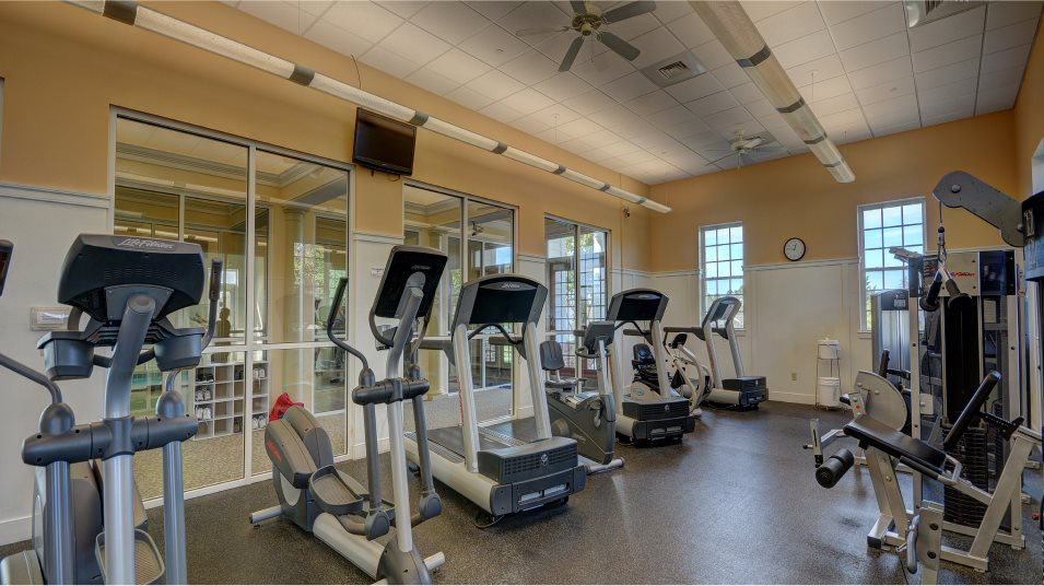 Colonial Heritage Fitness Center weightlifting and cardio