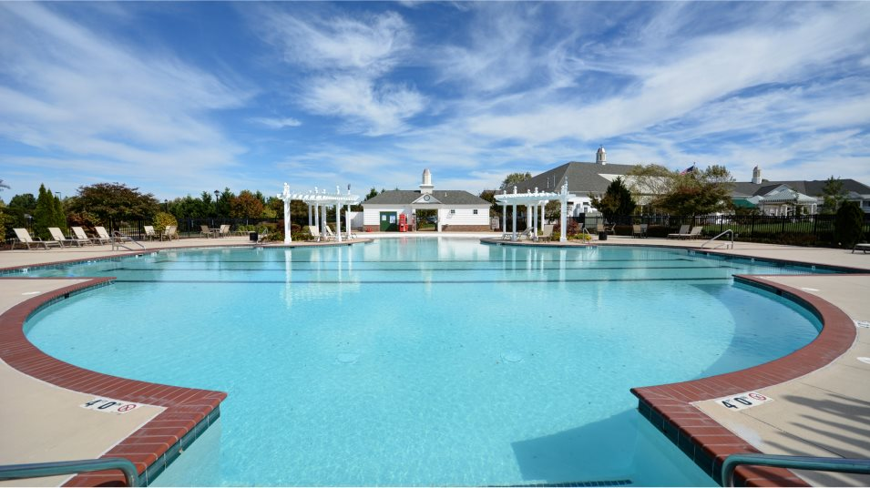 Colonial Heritage swimming pool