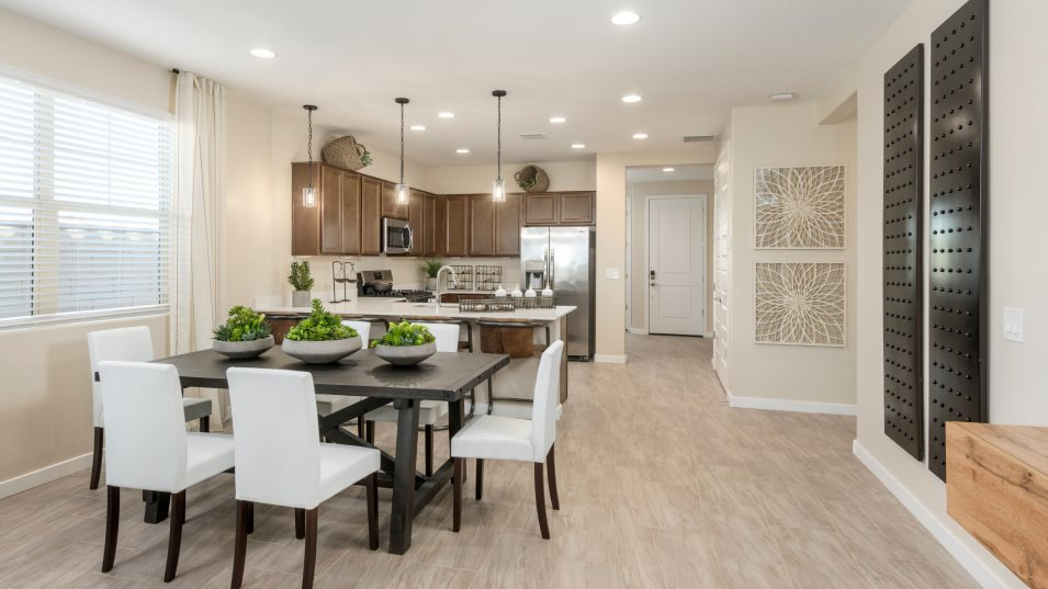 Asher Pointe Discovery Lewis 3575 Dining Room