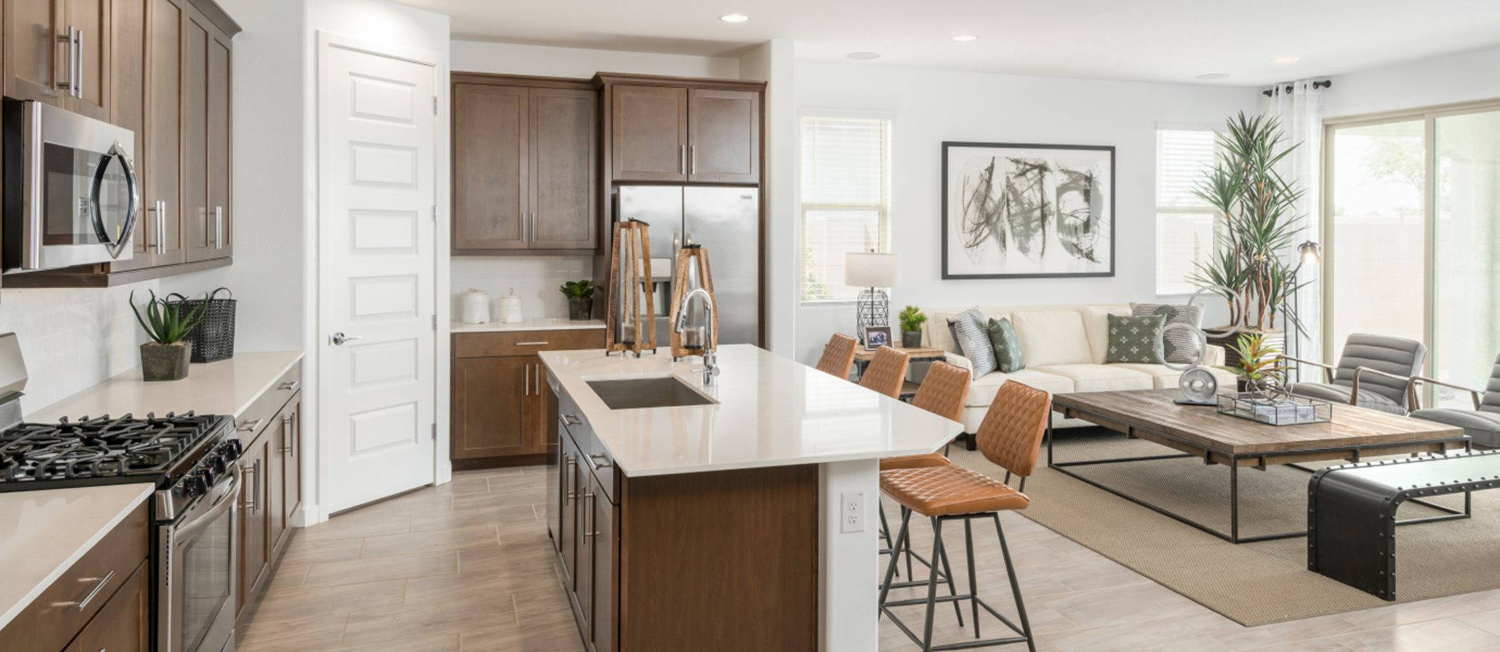 Western Enclave Arbor & Discovery Ironwood 3518 Kitchen