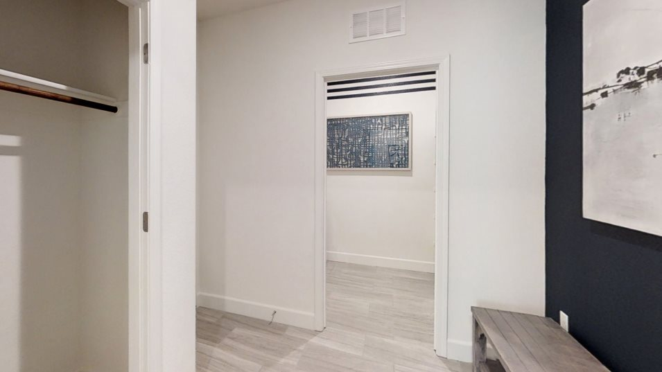 Redwood Collection at Parkside The Pepperwood 2161 Mudroom