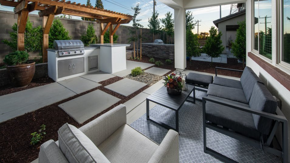 Redwood Collection at Parkside The Pepperwood 2161 Outdoor Space
