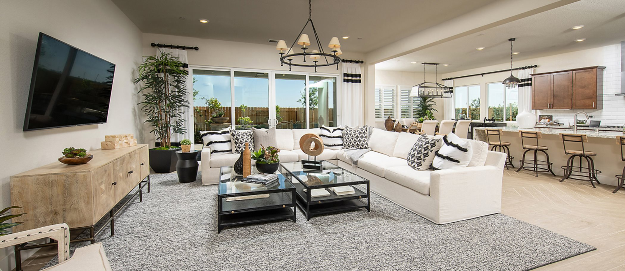 Heritage Solaire Eclipse Residence 2766 Living