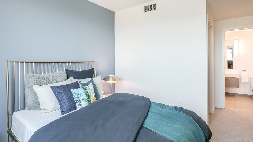 The-San-Francisco-Shipyard Monarch 51 Innes Ct. #401 Owner's Suite