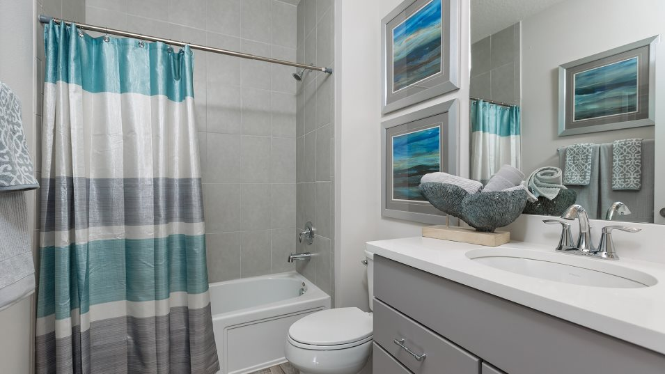 Lost Key Townhomes 3BR Townhome Bathroom 2