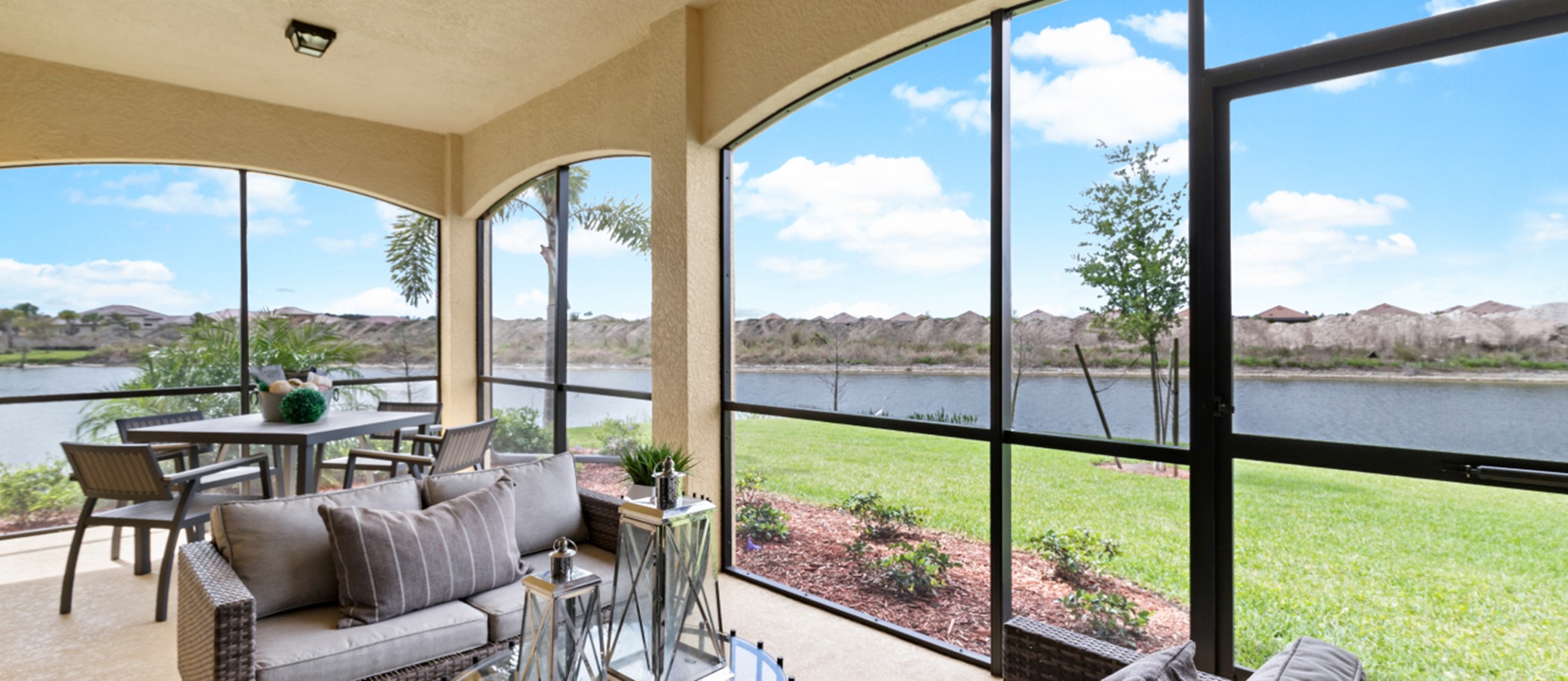 Heritage Landing Coach Homes Overview